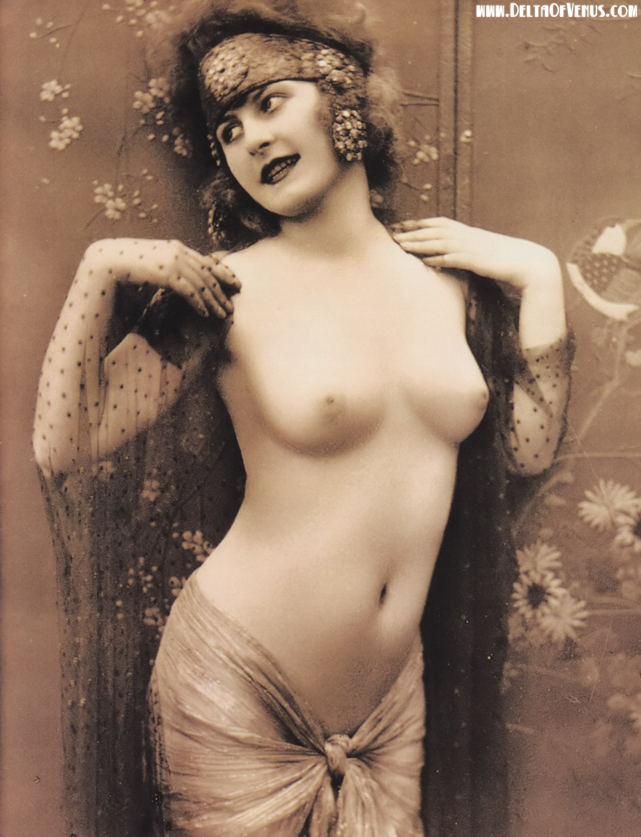 Vintage nude flapper girls