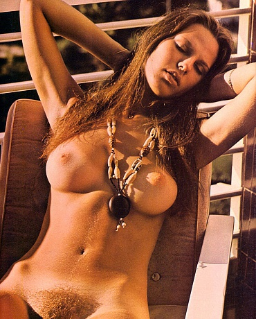 Pictures of nude brunettes